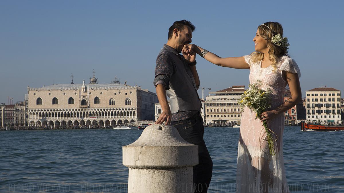 fotografo venezia servizio foto passeggiata romantica