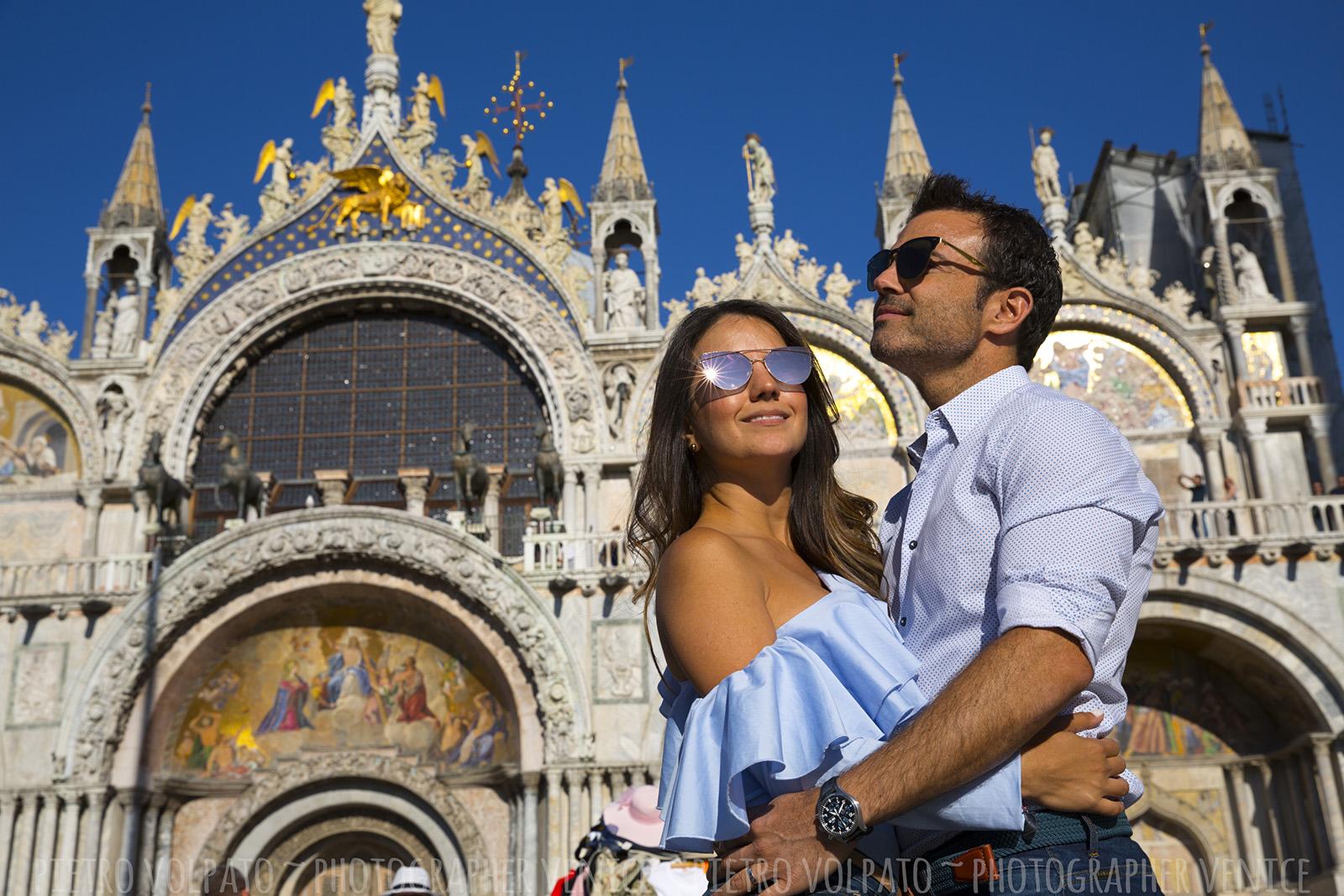 Servizio foto luna di miele a Venezia ~ fotografo a Venezia per il servizio foto viaggio di nozze ~ foto vacanza coppia a Venezia