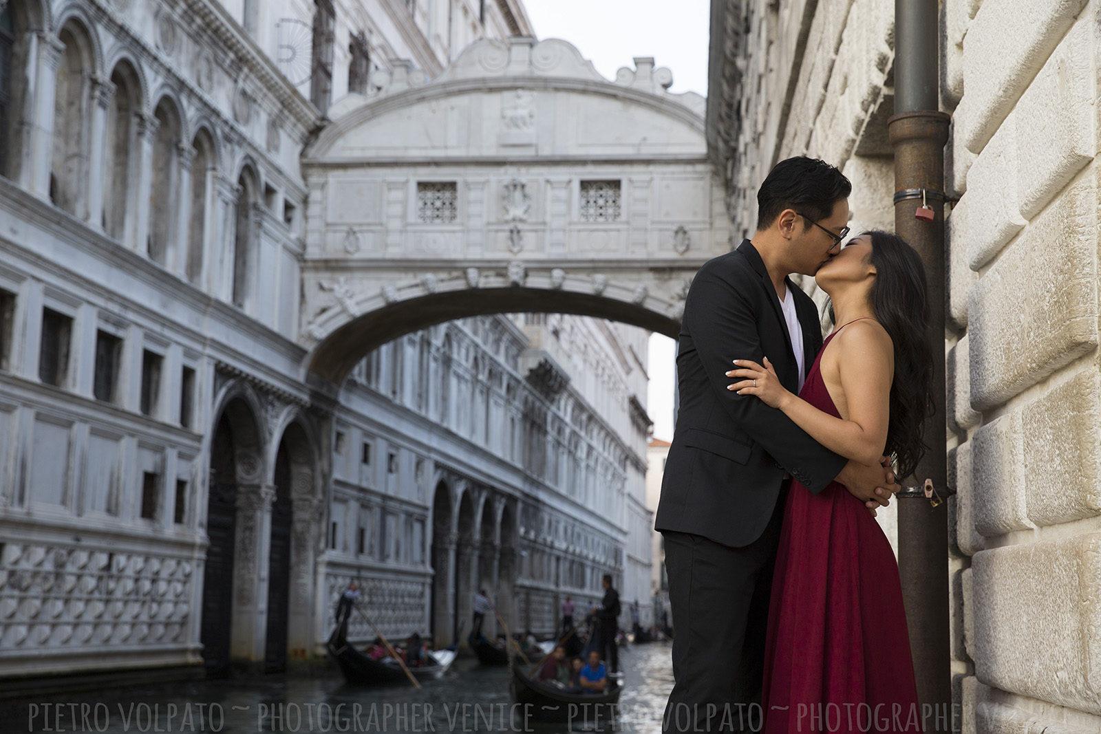 Fotografo Venezia servizio foto romantico divertente