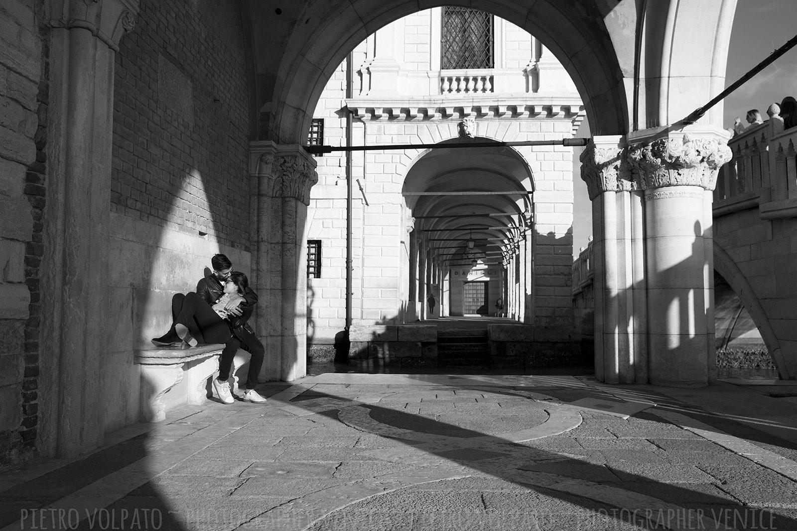Venezia servizio foto passeggiata con fotografo professionista