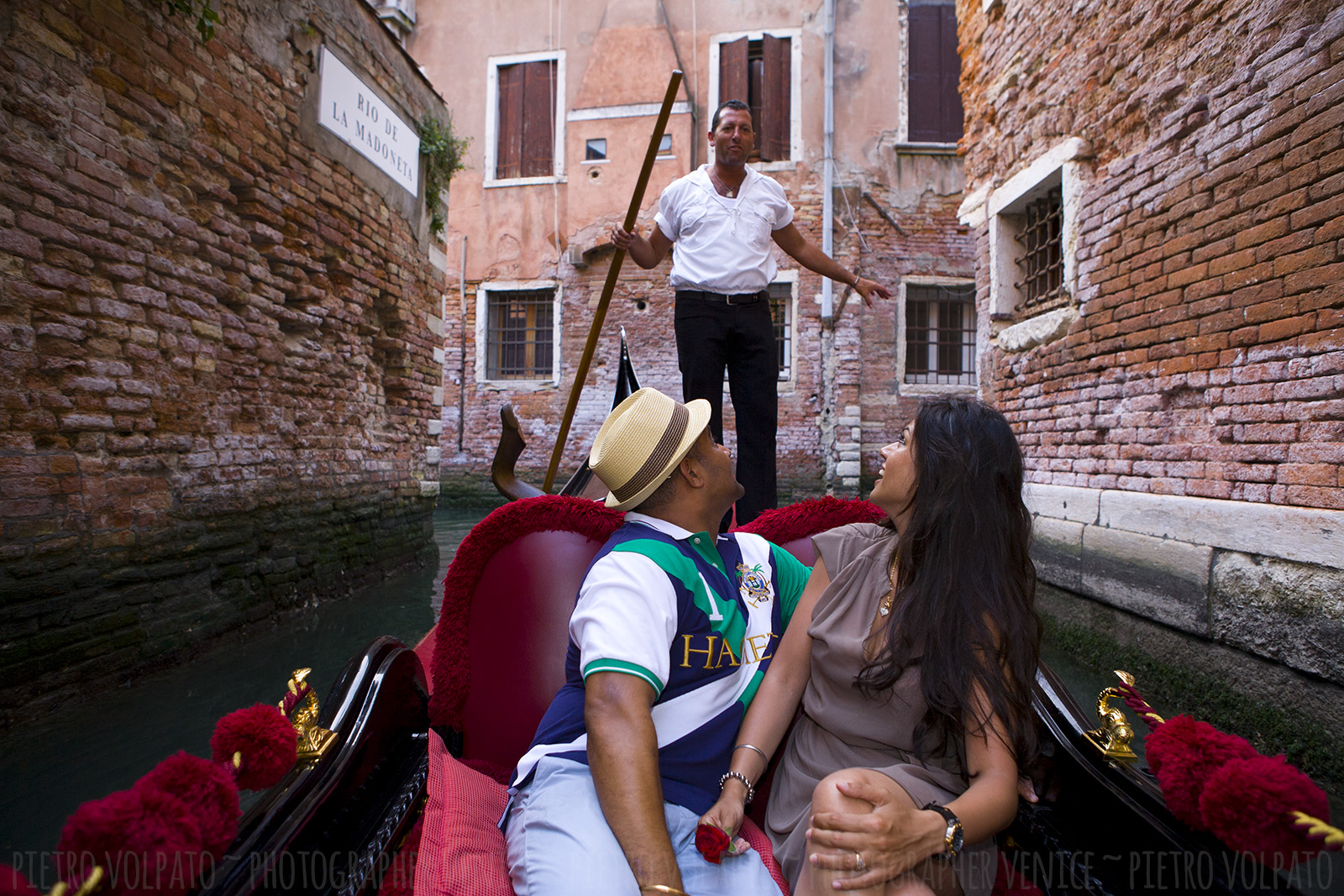 photographer venice honeymoon photo shoot