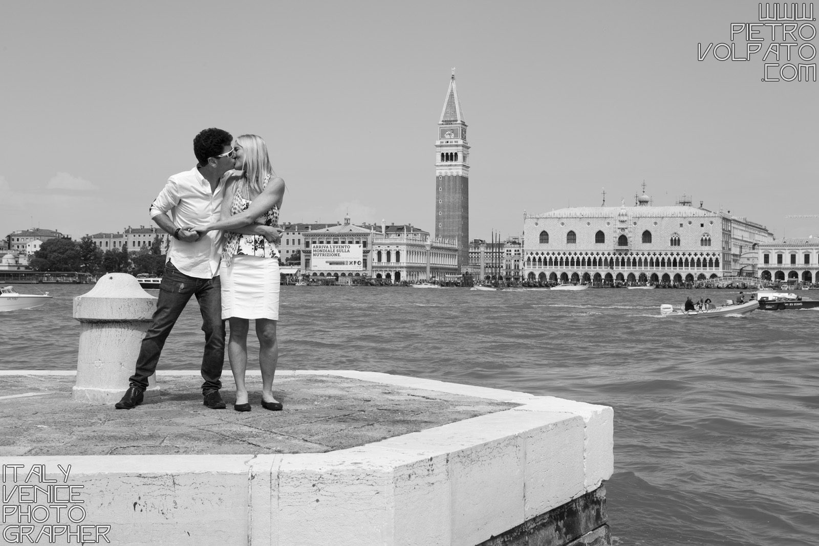 Book a vacation photographer in Venice! To capture engagement, honeymoon or anniversary trip. I prefer sincere smiles and genuine posing for my couples