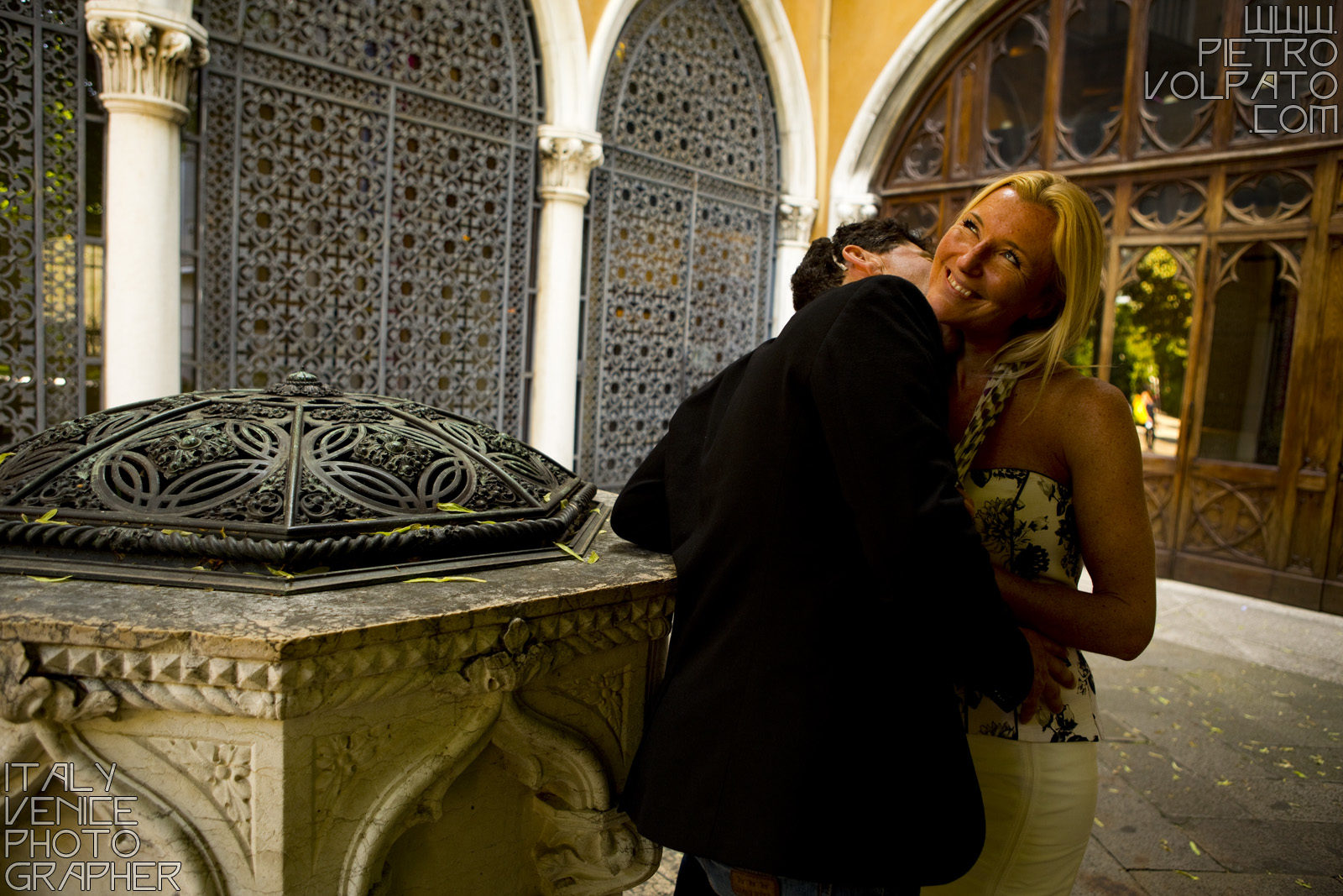 Photographer for hire in Venice. Vacation photo shoot in Venice during a romantic fun walking tour.