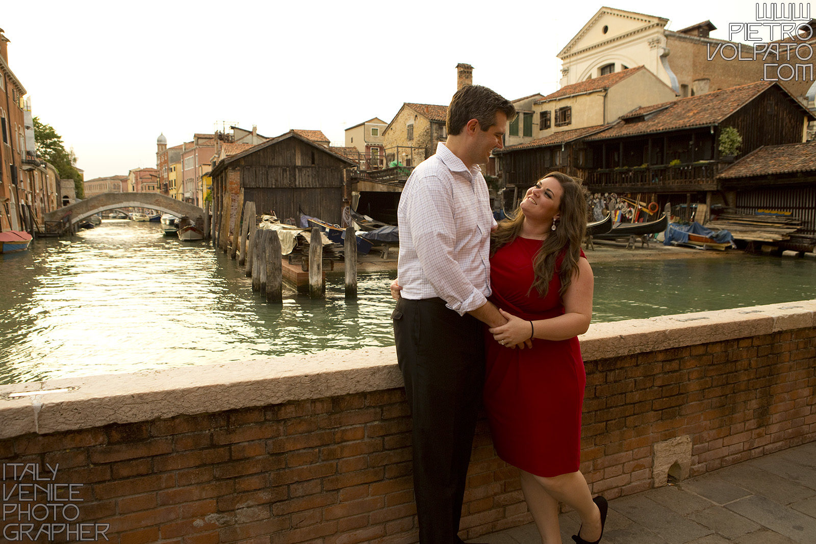 Photographer in Venice for honeymoon photography session during a romantic walking tour ~ Romantic couple vacation photo walk in Venice Italy