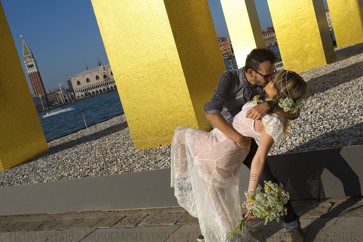 photographer venice italy romantic photoshoot