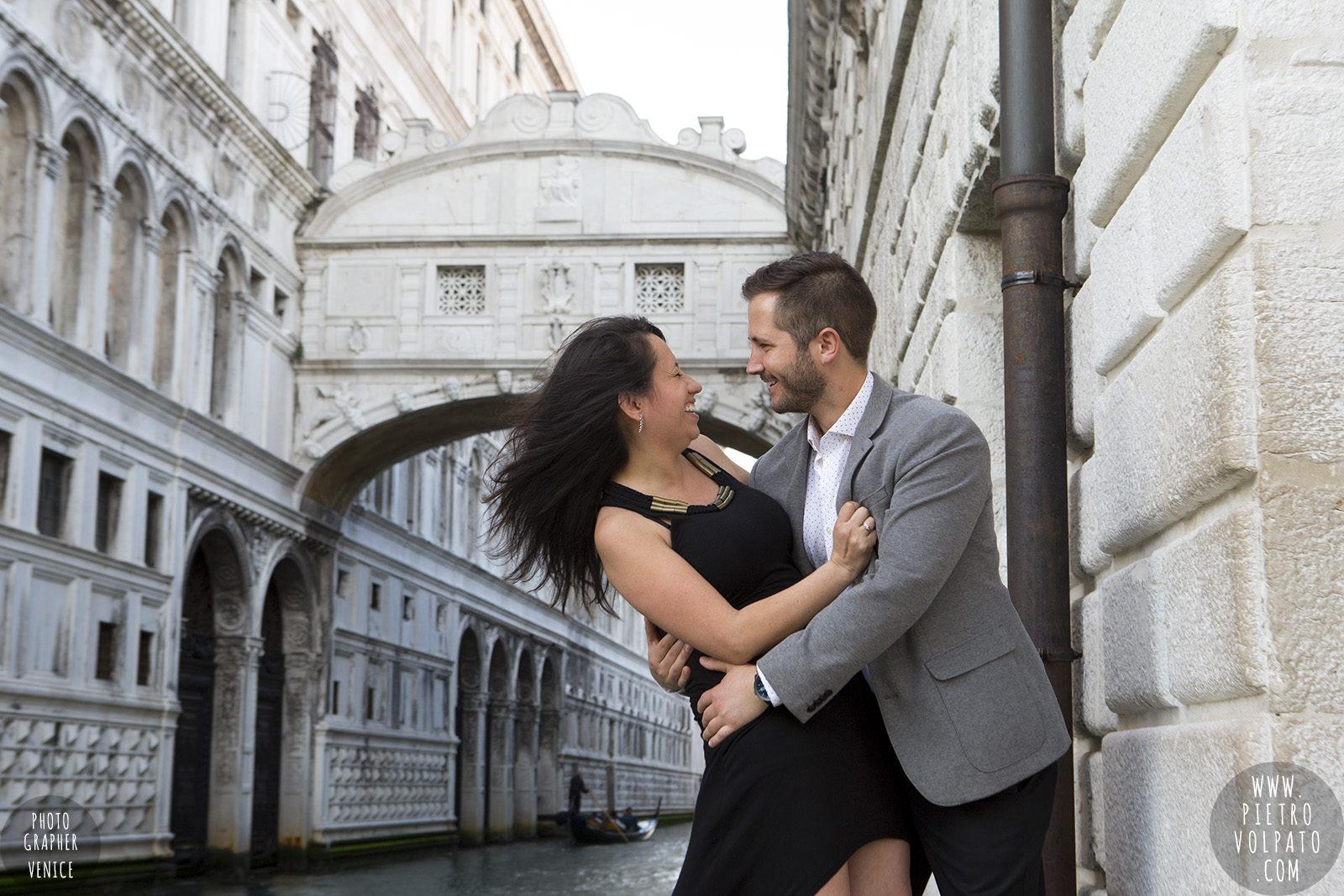 photographer-venice-photoshoot-couple-romantic-vacation-20160417_02