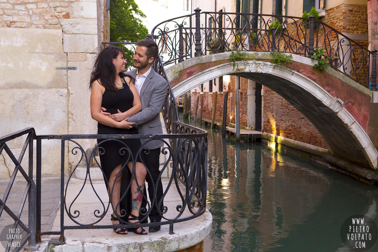 photographer-venice-photoshoot-couple-romantic-vacation-20160417_07