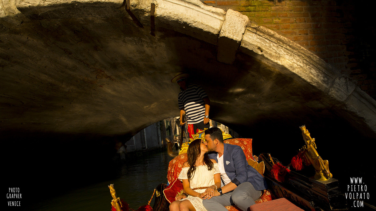 photographer-in-venice-for-couple-pre-wedding-photoshoot-romantic-vacation-tour-pictures-20160524_03