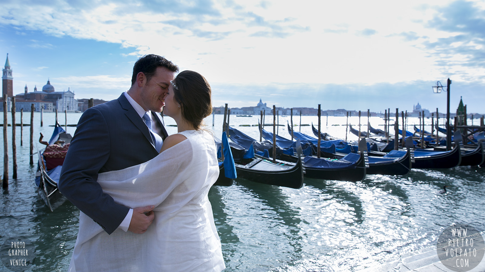 venice wedding photographer honeymoon photoshoot for couple romantic vacation tour