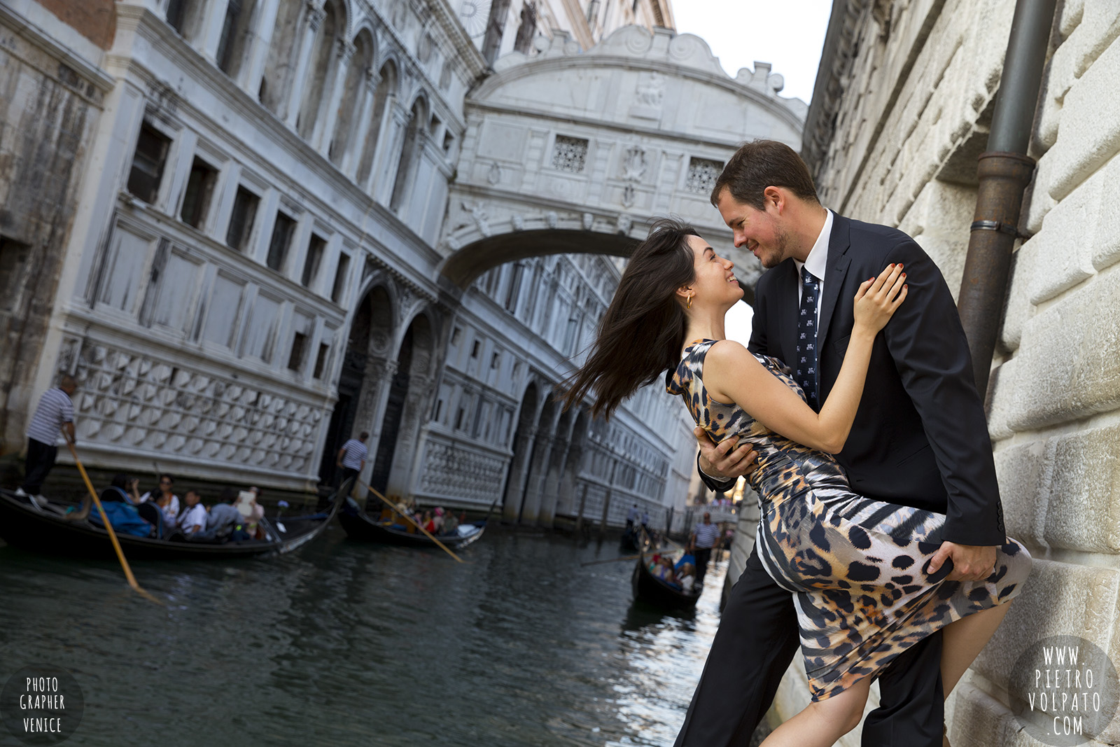 venice honeymoon photographer romantic photoshoot and tour for couples vacation