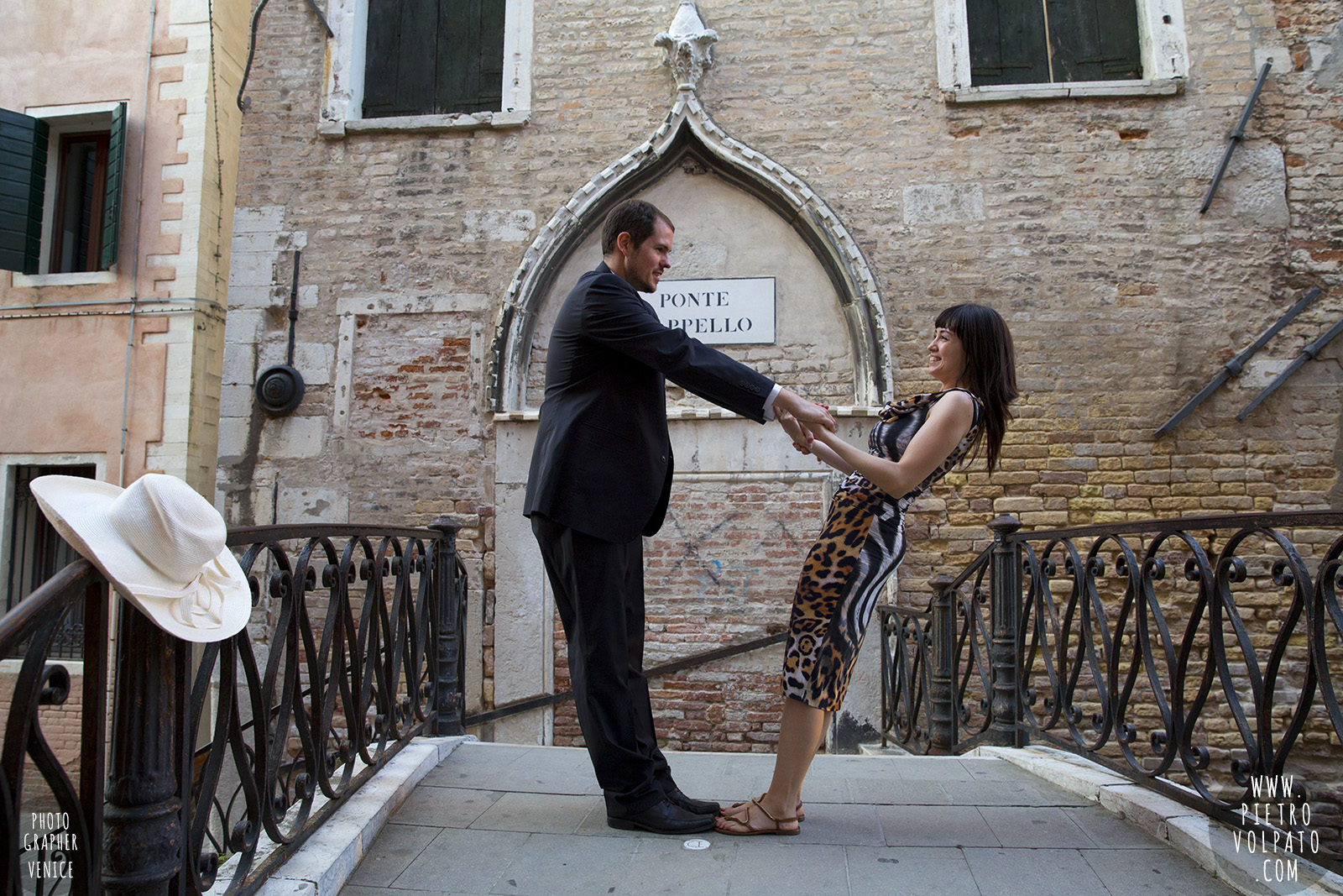 venice-honeymoon-photographer-romantic-photoshoot-and-tour-for-couples-vacation-20160927_09