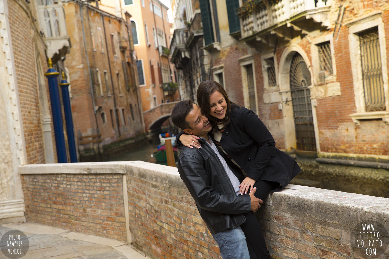 photographer venice honeymoon couple romantic vacation pictures