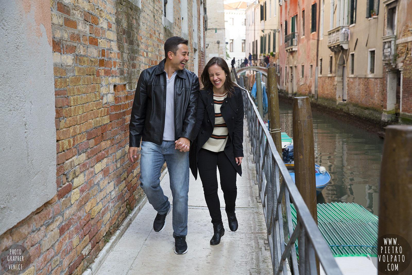 photographer-venice-honeymoon-couple-romantic-vacation-pictures-20170309_06