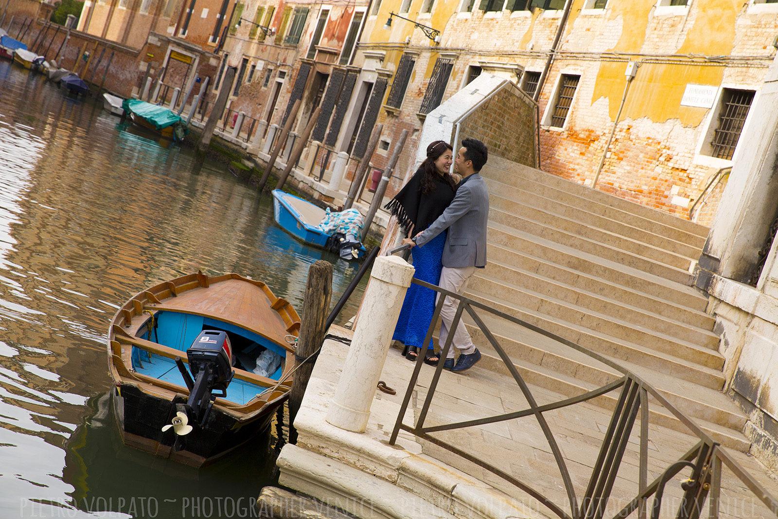 photographer-venice-romantic-couple-photo-session-tour-20170315_04