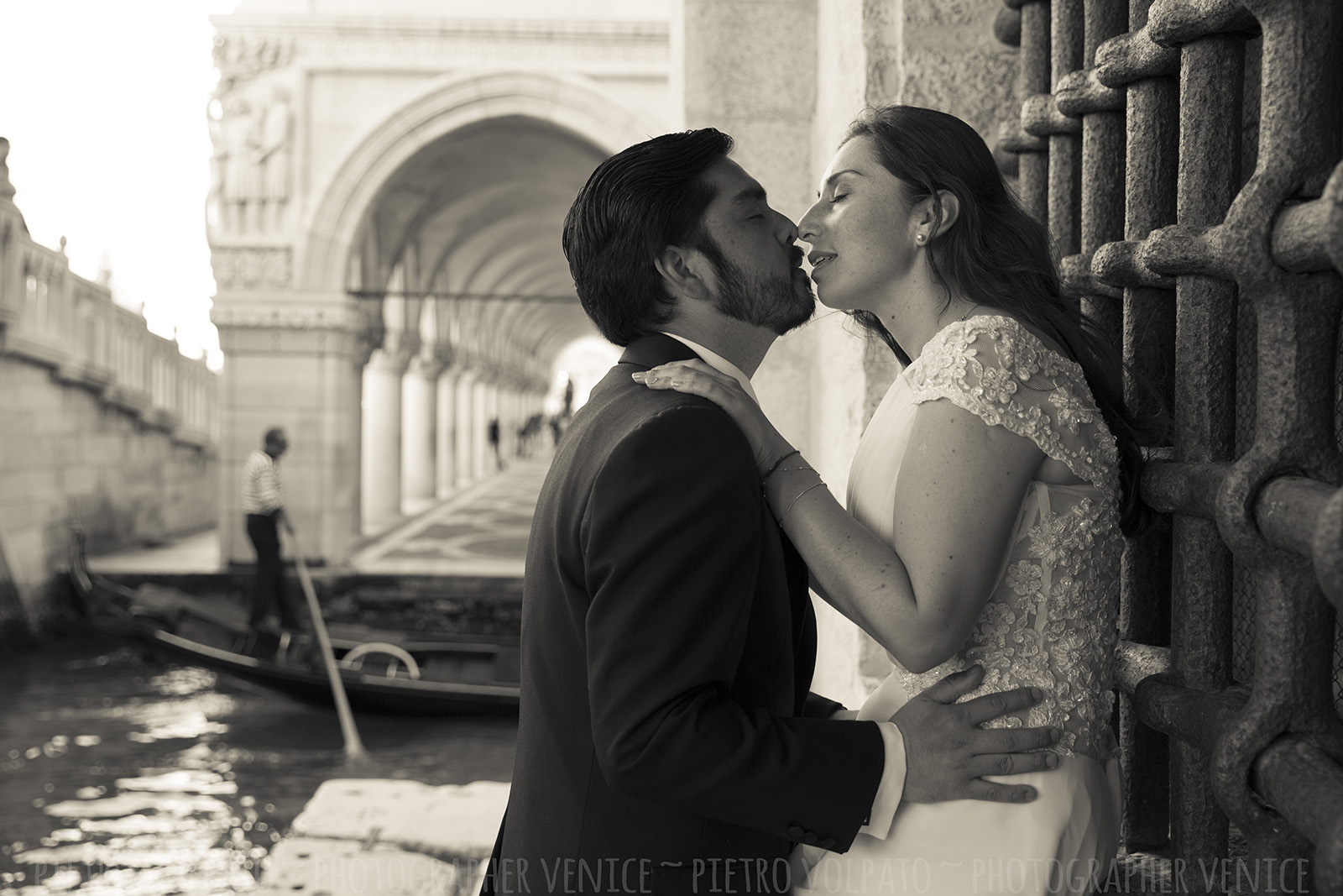 wedding honeymoon photographer in venice italy