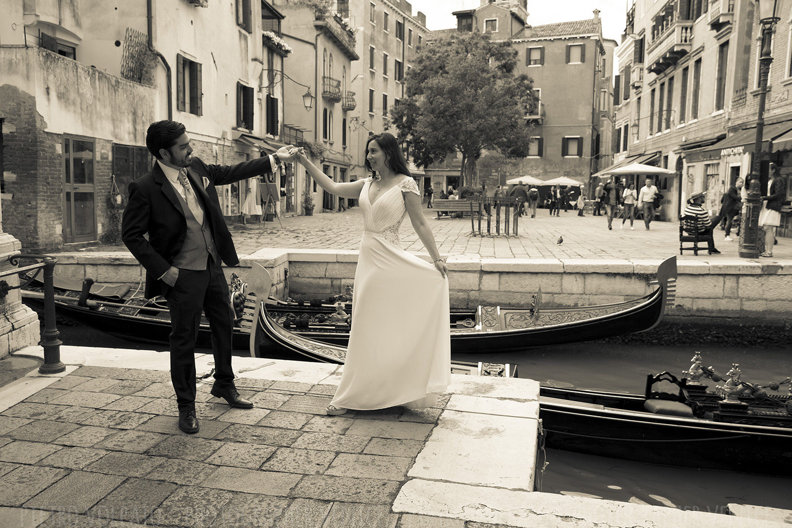 wedding-honeymoon-photographer-venice-italy-20170509_02