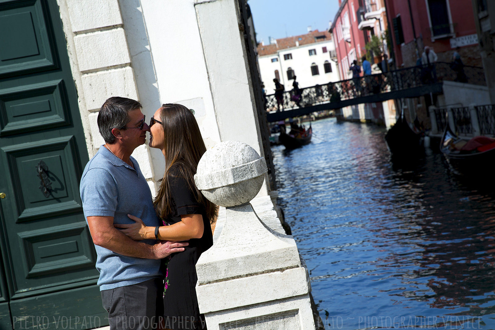 Photographer in Venice italy for couple vacation photography session ~ romantic and fun Venice photo walk and gondola