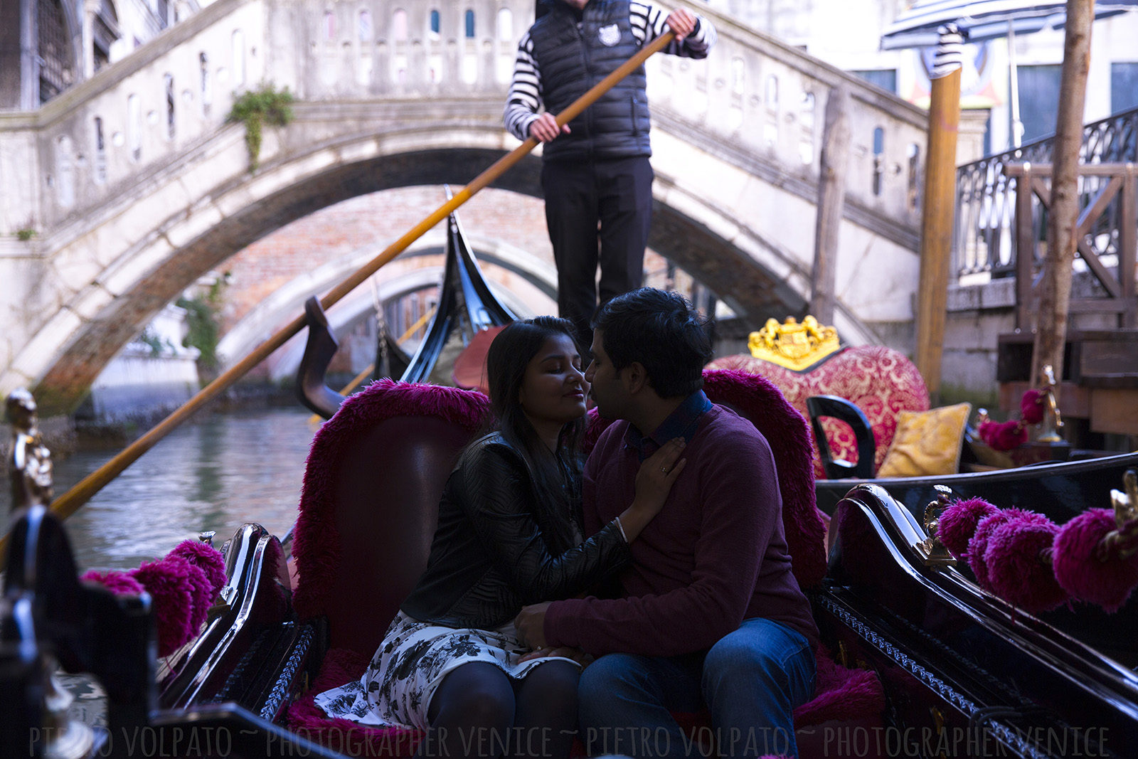 Photographer in Venice Italy for couple vacation photo shoot during an amazing walking tour and gondola ride