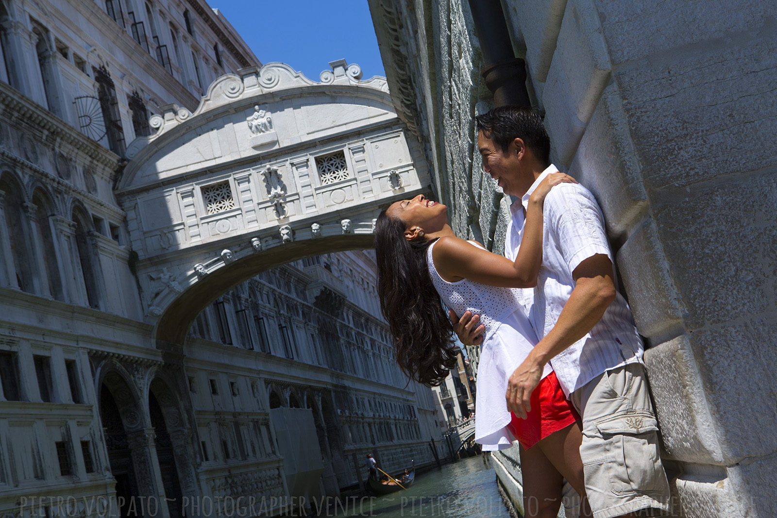 Venice photographer for wedding anniversary vacation photo shoot ~ photo walk about having fun and romantic moments