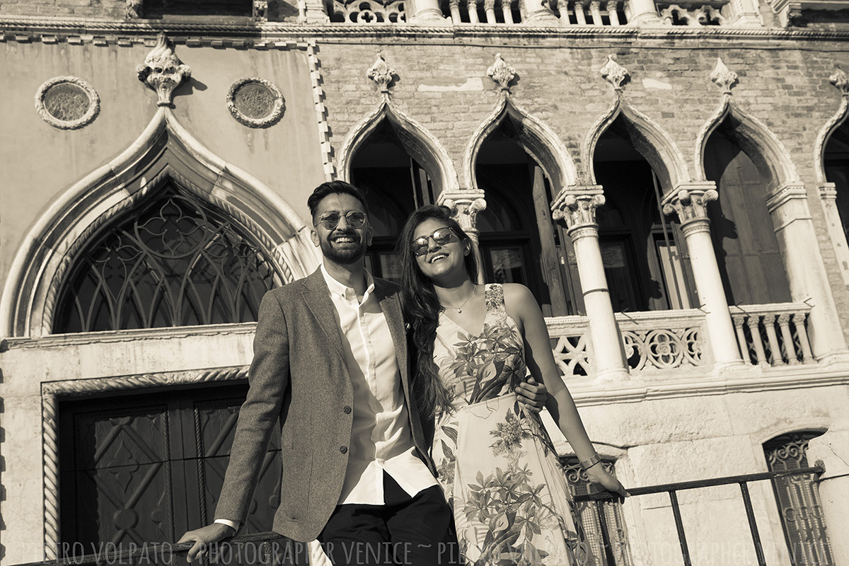 Venice couple photo shoot with professional photographer