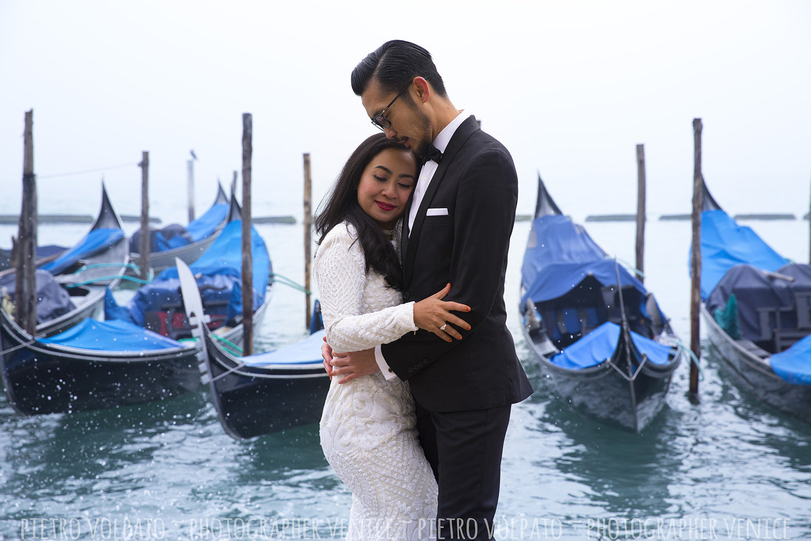 venice wedding photographer for honeymoon photoshoot