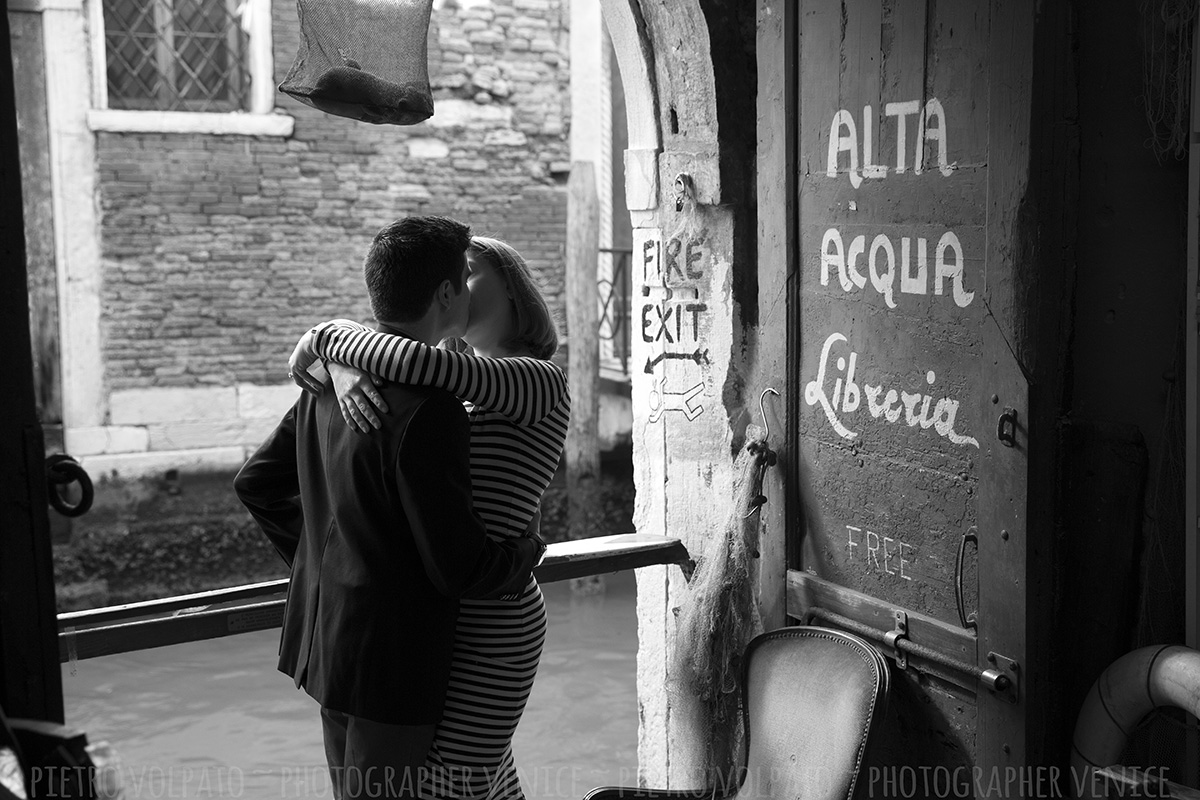 photo shoot and exploring venice with photographer