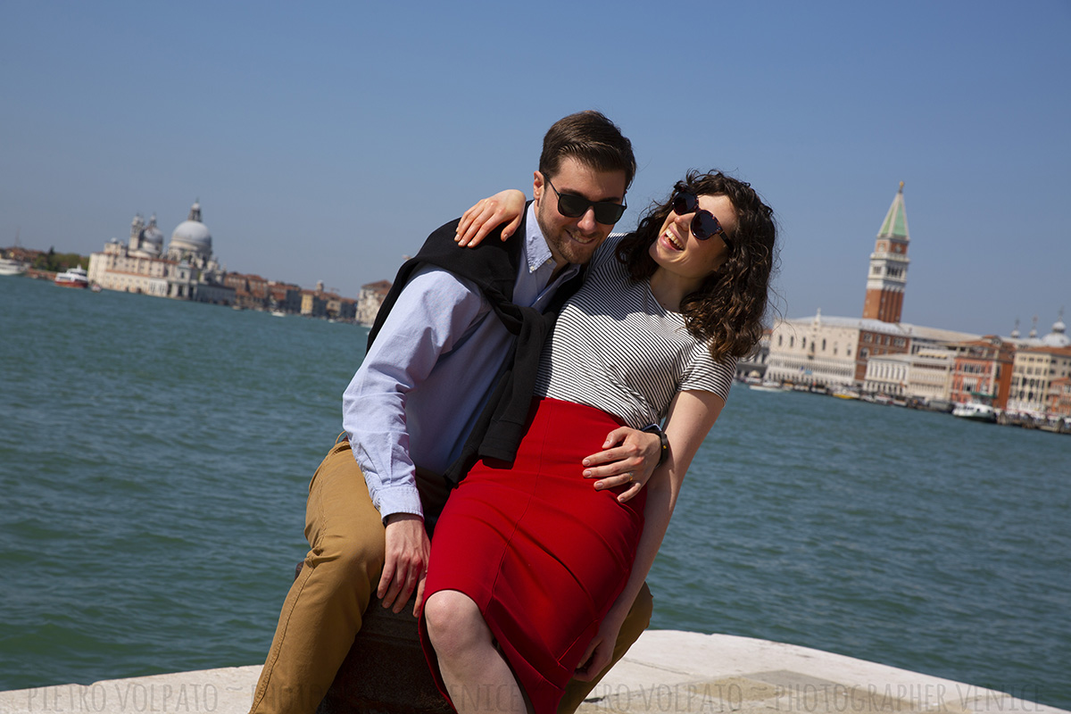 photo shoot in venice for couple vacation