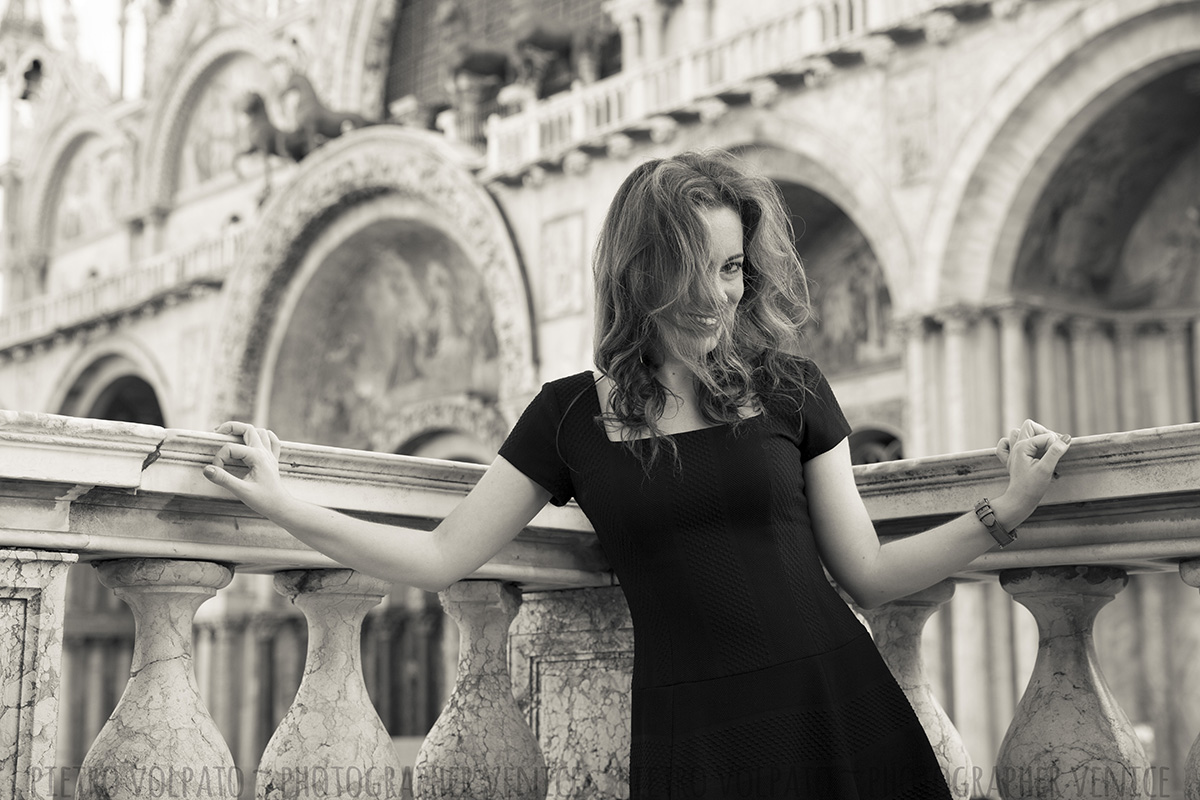 solo photo shoot in venice by portrait photographer
