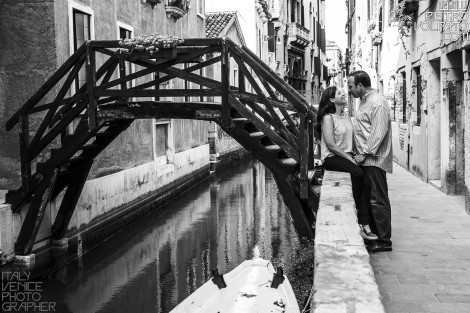 VENICE PHOTOGRAPHER FOR WEDDING ANNIVERSARY PHOTO SESSION