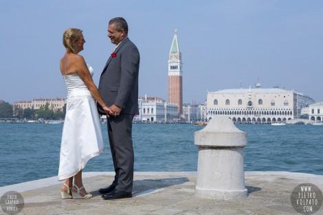 PHOTOGRAPHER VENICE WEDDING ANNIVERSARY PICTURES
