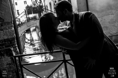 Photographer in Venice for Couple Vacation Photos