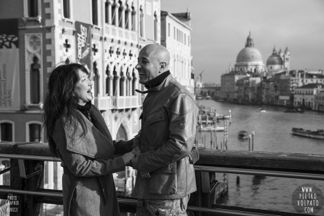 Photographer in Venice for Couple Vacation Photo Session