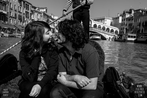 Photographer in Venice for Romantic and Fun Pictures