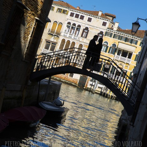 Photographer in Venice for Romantic Couple Pictures