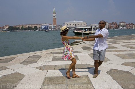 Venice Honeymoon Photographer for Fun Photo Session
