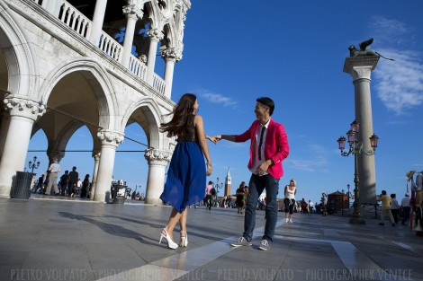 Photographer for Venice Couple Photo Shoot