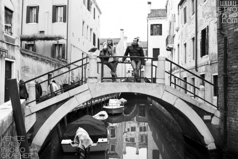 Photographer in Venice for Photo Walk and Gondola Tour