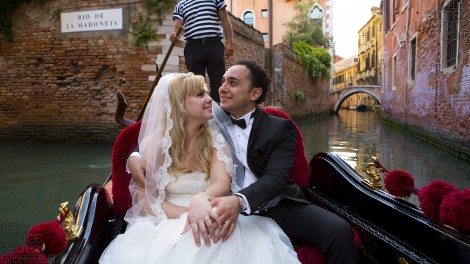 Photographer for Venice Honeymoon Photo Shoot