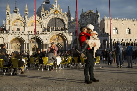 Photographer Venice Love-Story Vacation Photos