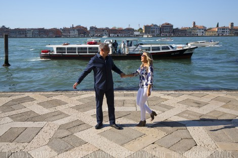Venice Couple Photoshoot and Tour with Photographer